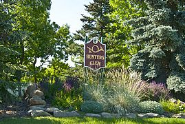 270_Hunters Glen Sign