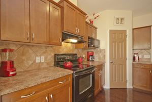 043 Kitchen